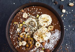 Banana vegan smoothie bowl