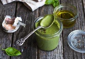 Bazalkové pesto - základní recept