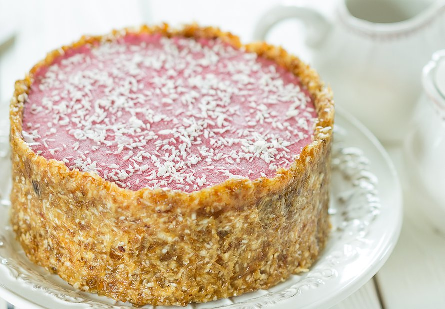 Raw jahodový dort