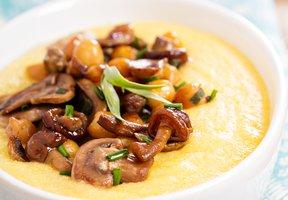 Polenta s houbami a cizrnou
