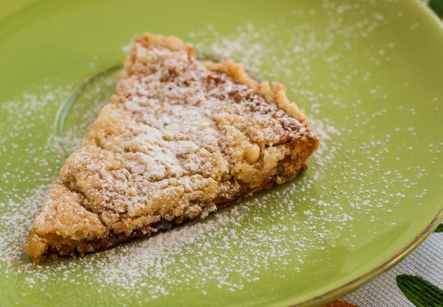 Sladký kuskusový koláč se sušenými meruňkami