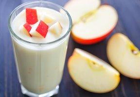 Shake z ovesného nápoje s jablkem