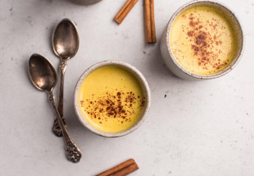 Zlaté mléko (golden milk)