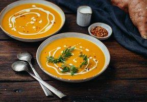 Batátová polévka s kari