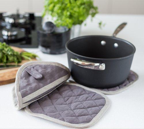 Kuchyňská chňapka čtvercová MagicLinen – tmavě šedá