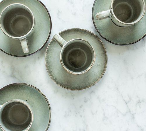 Hrneček s podšálkem Salt & Pepper Artisan – zelený
