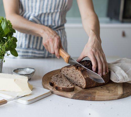 Nůž na pečivo Opinel Parallele s délkou čepele 210 mm
